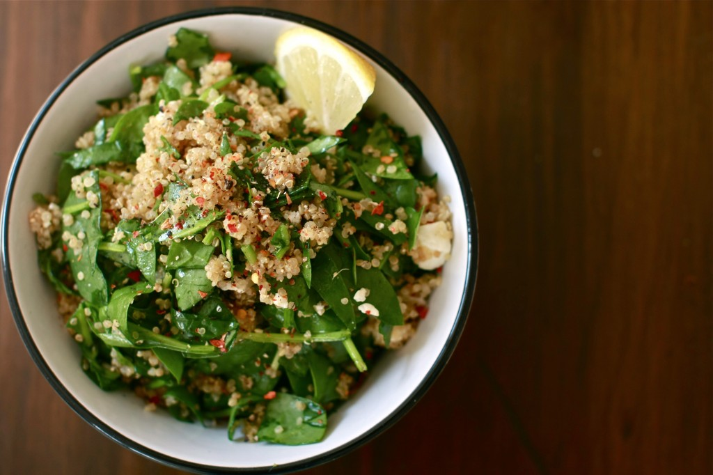 "Healthy lunchbox: quinoa, spinach and feta ""bourek"" salad 