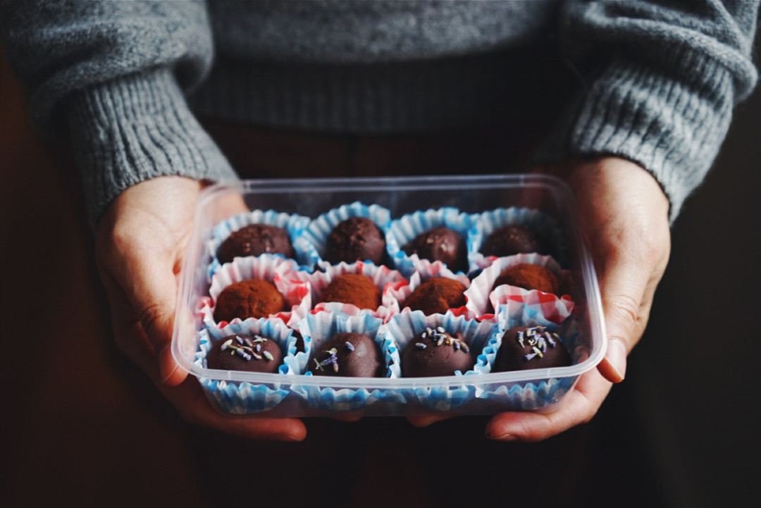 Simple and decadent chocolate truffles   Wandering Spice